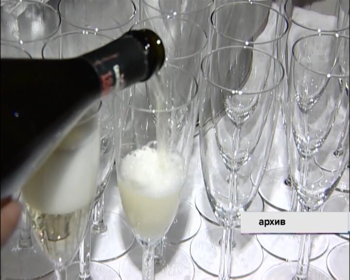 Министр финансов собирается пересматривать минимальные цены на спирт