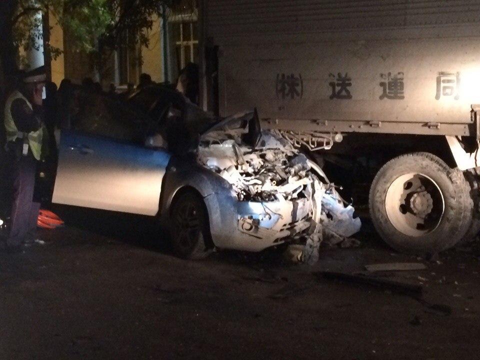 Смертоносная авария вУфе: иностранная машина влетела под фургон