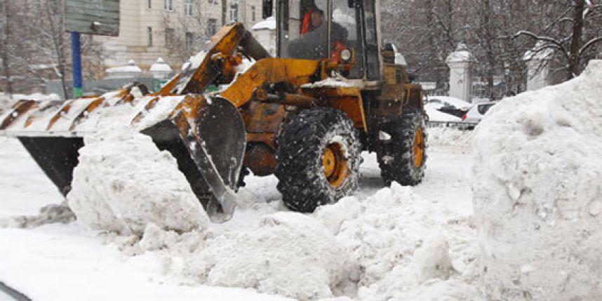 ВУфе уборка снега ведется круглые сутки