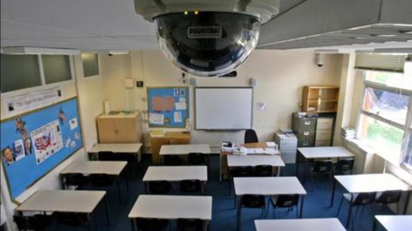 Срытые камеры в учебных заведениях смотреть онлайн