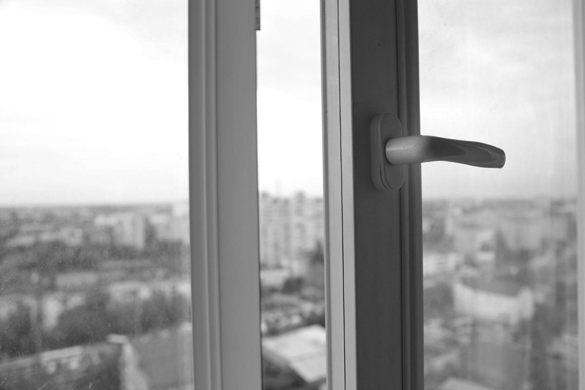 ВСтерлитамаке ребенок умер, выпав изокна 5-ого этажа