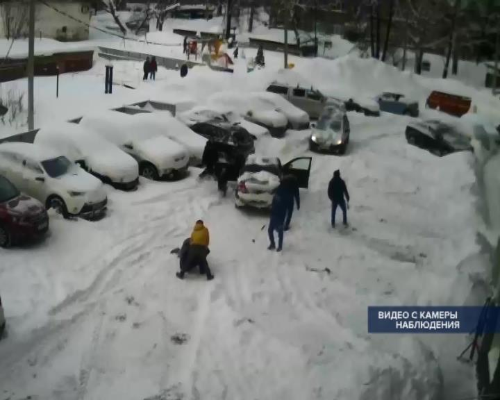 ВУфе подростки устроили массовую драку сбитой из-за неубранного снега