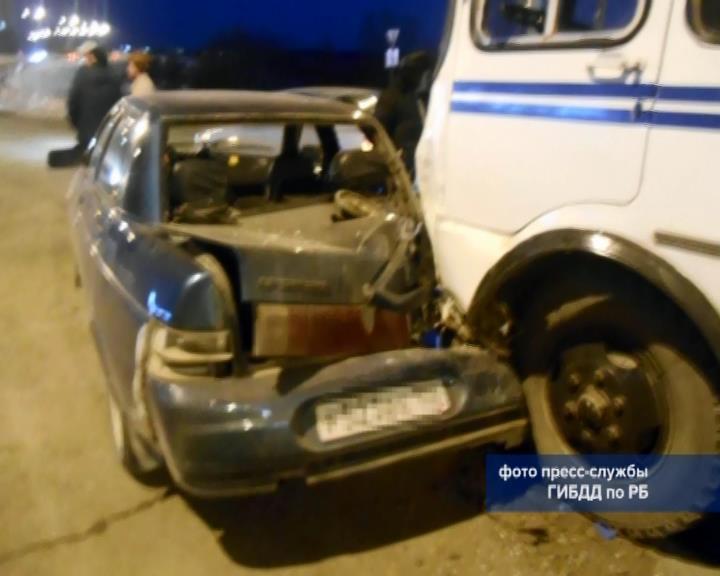 ВБашкирии женщина пострадала при столкновении автобуса иавтомобиля