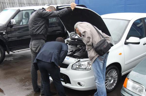 Подержанные автомобили пользуются все большим спросом у уфимцев